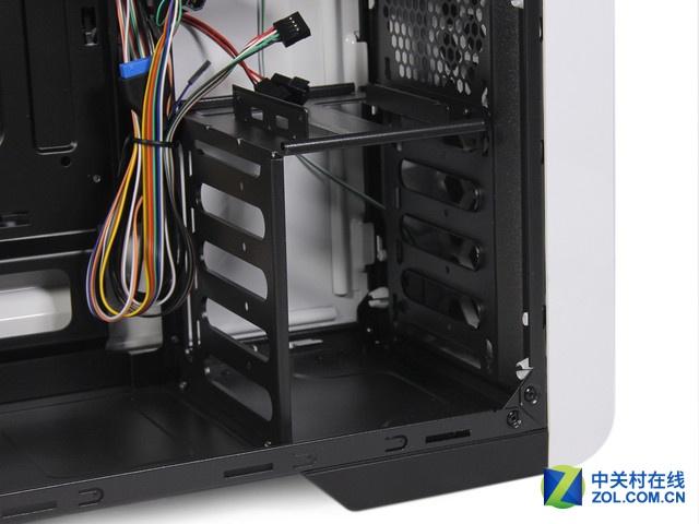 回归简约之作 GAMEMAX碳60机箱装机评测